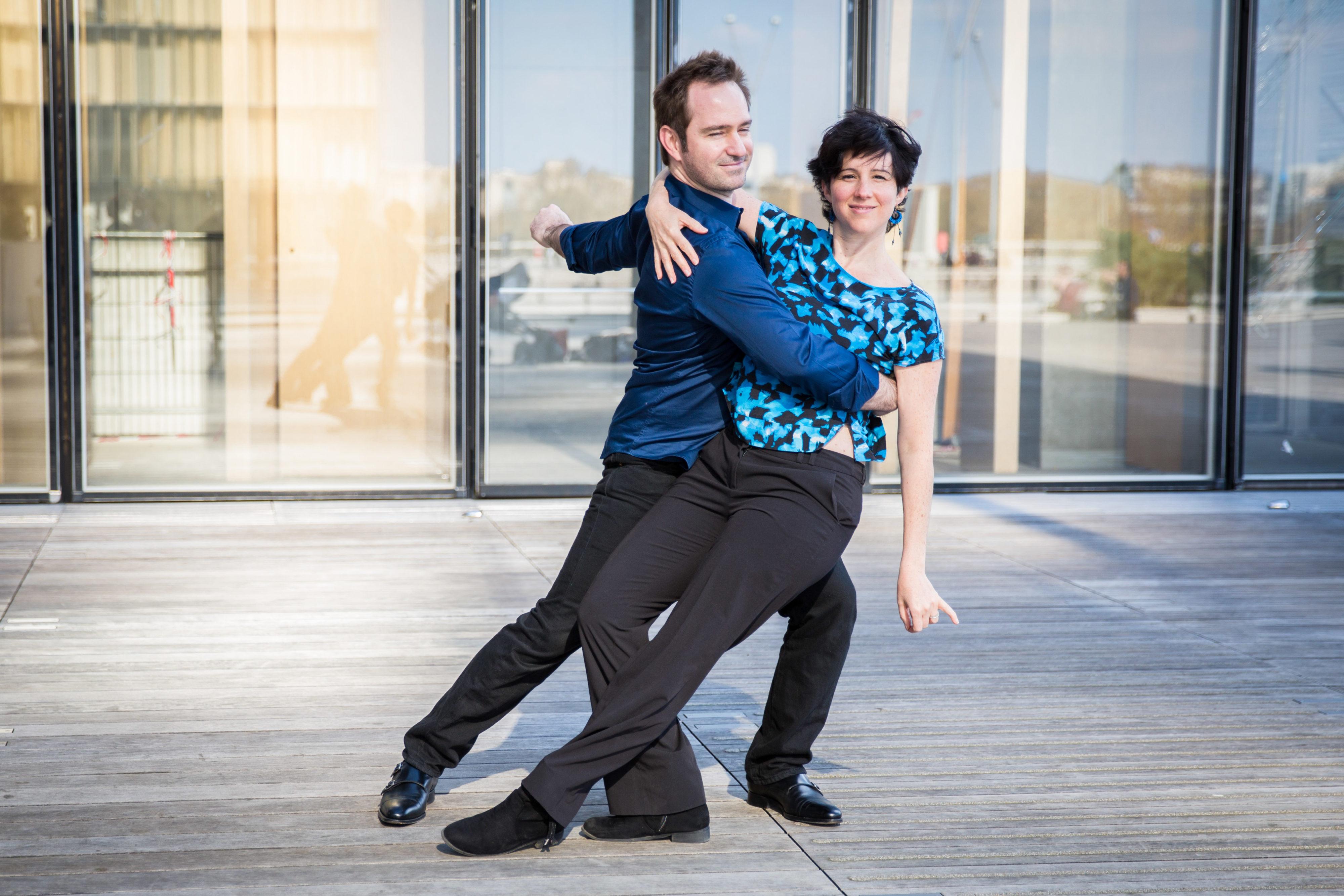 Lena et Olivier dansent à la BNF
